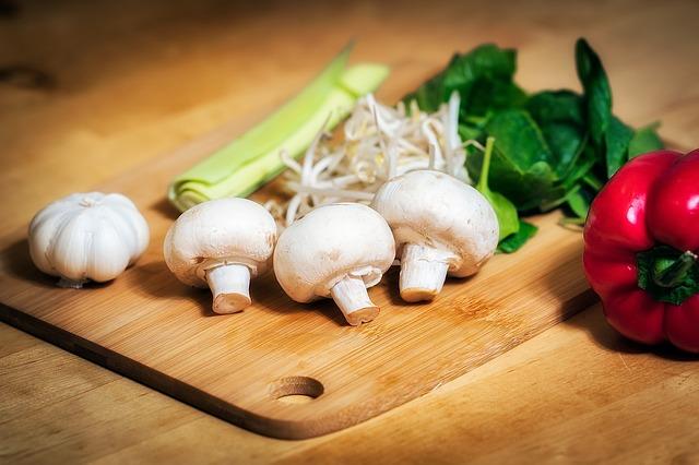prkénko pod zeleninou