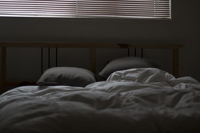 povlečená postel.jpg